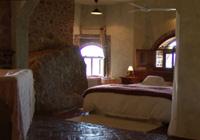 Suite del Hotel Monasterio Rocamador