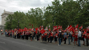 Concentración de trabajadores de Paradores Nacionales, UGT y CCOO