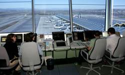 Los contraladores aéreos deciden el futuro de USCA entre dos candidaturas.