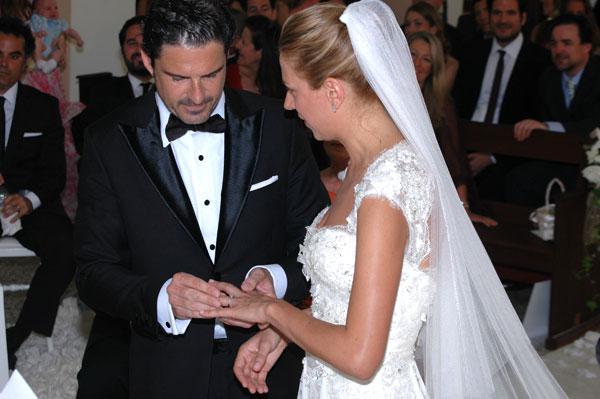 Julio Pérez y Lydia Piñero en un momento de la ceremonia.