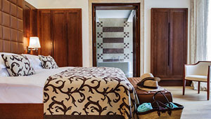 Hoteles de lujo cuadruplican precios en verano en Mallorca.