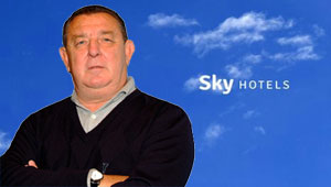 José Duato y Sky Hotels