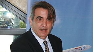 Mario Hidalgo, Globalia