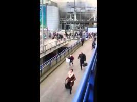 Pánico en el aeropuerto de Bruselas tras dos explosiones