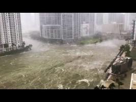 Irma azota la costa de La Florida