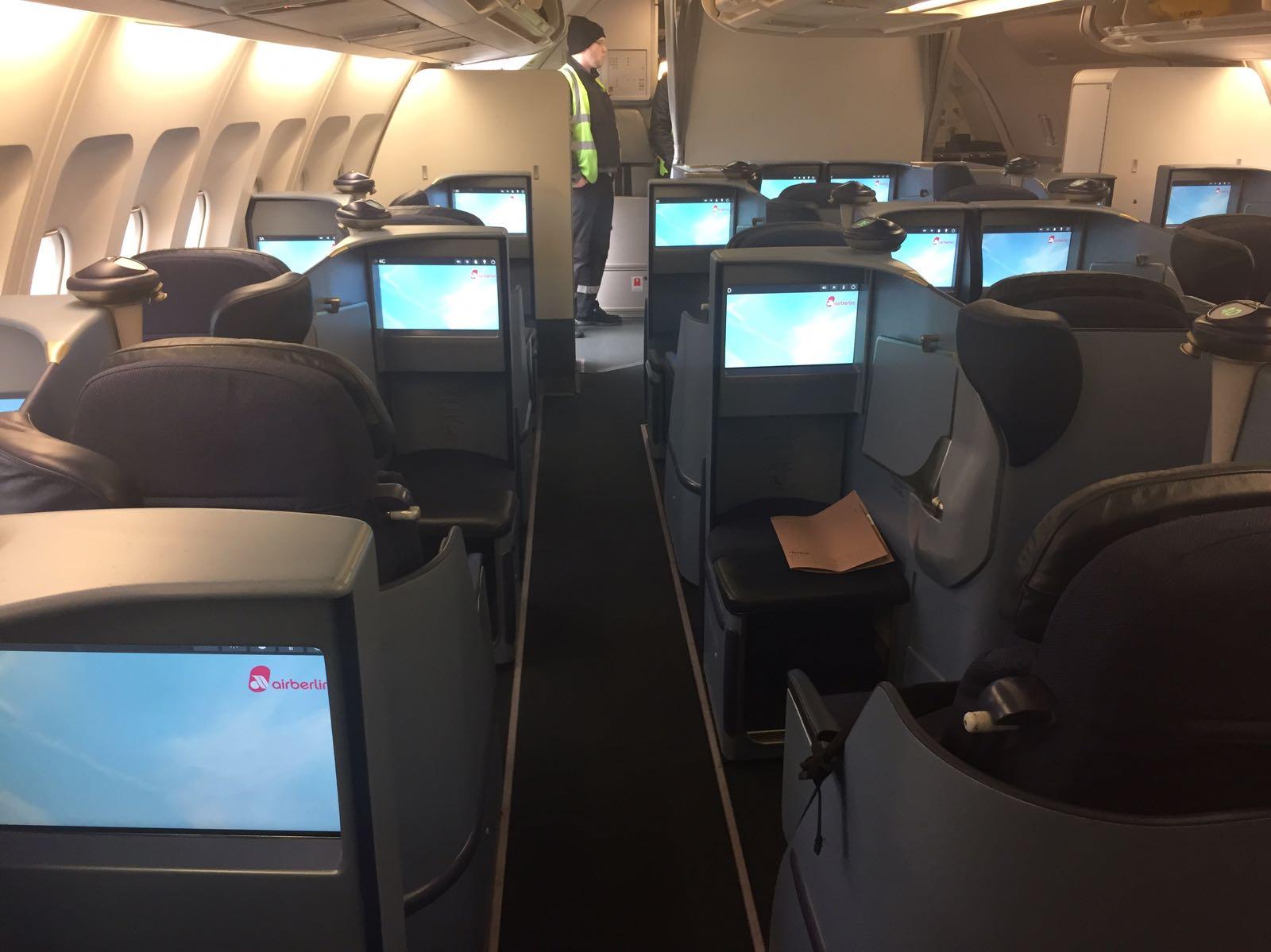 Salto De Wamos  Suma Dos Modernos A330 De Air Berlin