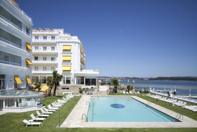 Hotusa le compra dos hoteles al banco popular y refuerza for Ofertas hoteles de lujo