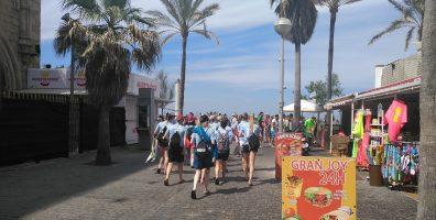 Turistas jóvenes en Playa de Palma durante el verano 2018, Mundial Rusia 2018. Temporada 2018