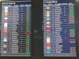 Salidas y llegadas, cancelaciones, retrasos