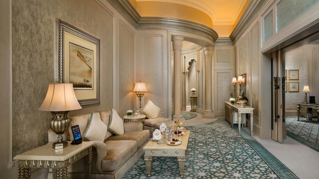 Fotos Así Es El Hotel De Lujo De Abu Dhabi Donde Se Aloja El Rey Juan Carlos Noticias De Hoteles Revista De Turismo Preferente Com